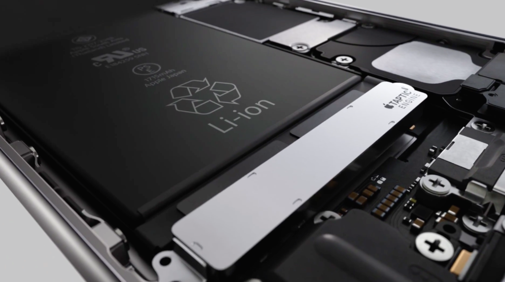 Apple managed to fit its new Taptic Engine into the 6s without a dramatic increase in device size